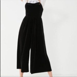 Silence & Noice Cropped Jumpsuit Size XS